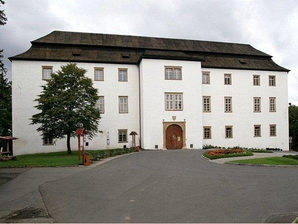 Zámek Hustopeče nad Bečvou