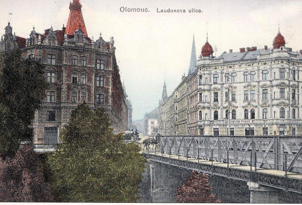 Most u restaurace Bristol. Historická pohlednice