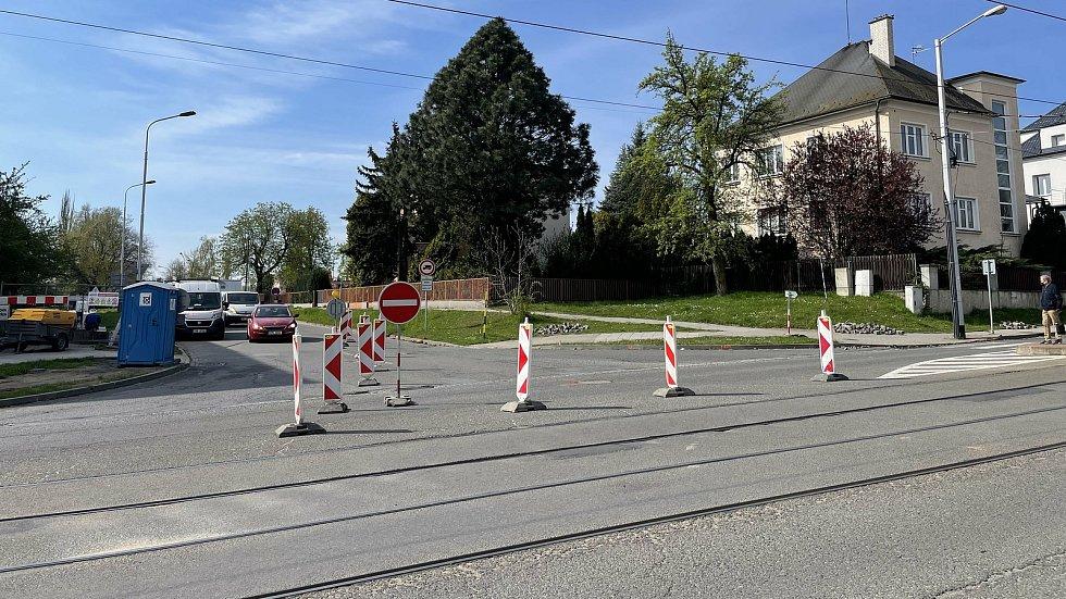 Dopravní omezení, Neředínská, Tř. Míru, 4. května 2021
