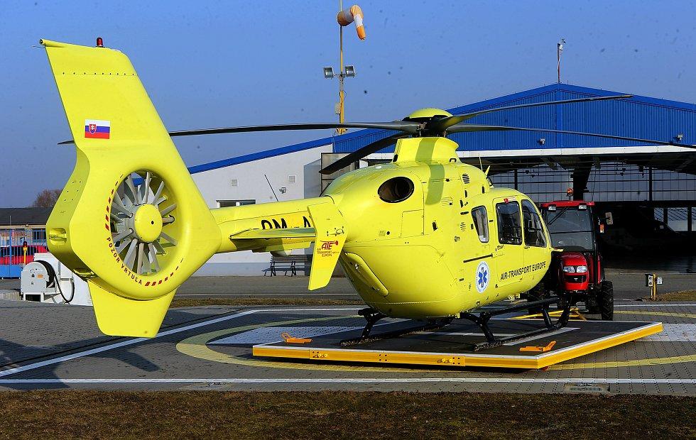 Vrtulník Letecké záchranné služby  Olomouckého kraje. Ilustrační foto