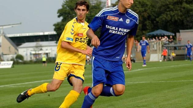 Juniorka Sigmy (v modrém) proti Jihlavě
