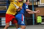 Fotbalisté Litovle (ve žlutočerveném) proti Přerovu