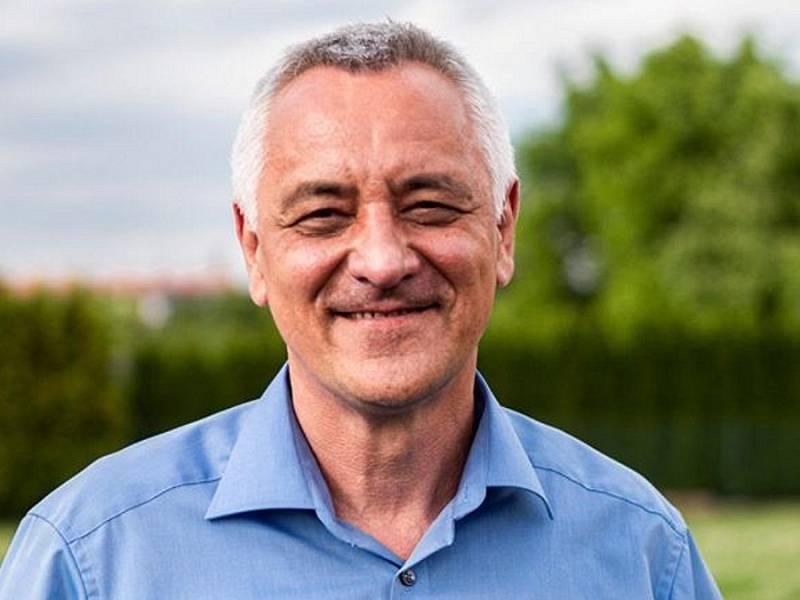 PIRÁTI a STAROSTOVÉ: lídr Josef Suchánek