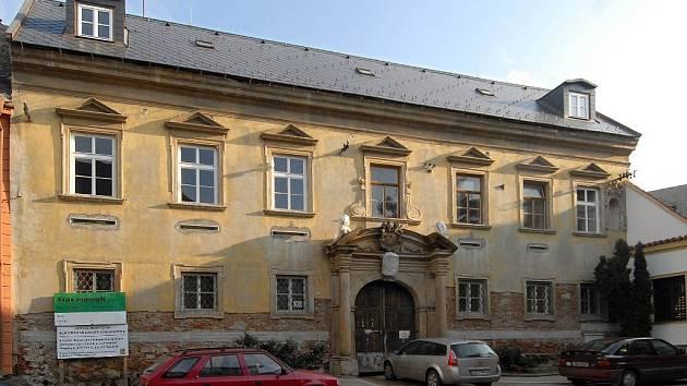Budova církevní konzervatoře ve Wurmově ulici.