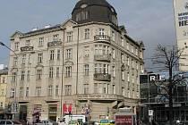 Dům s pasáží na rohu Švédské a třídy Svobody