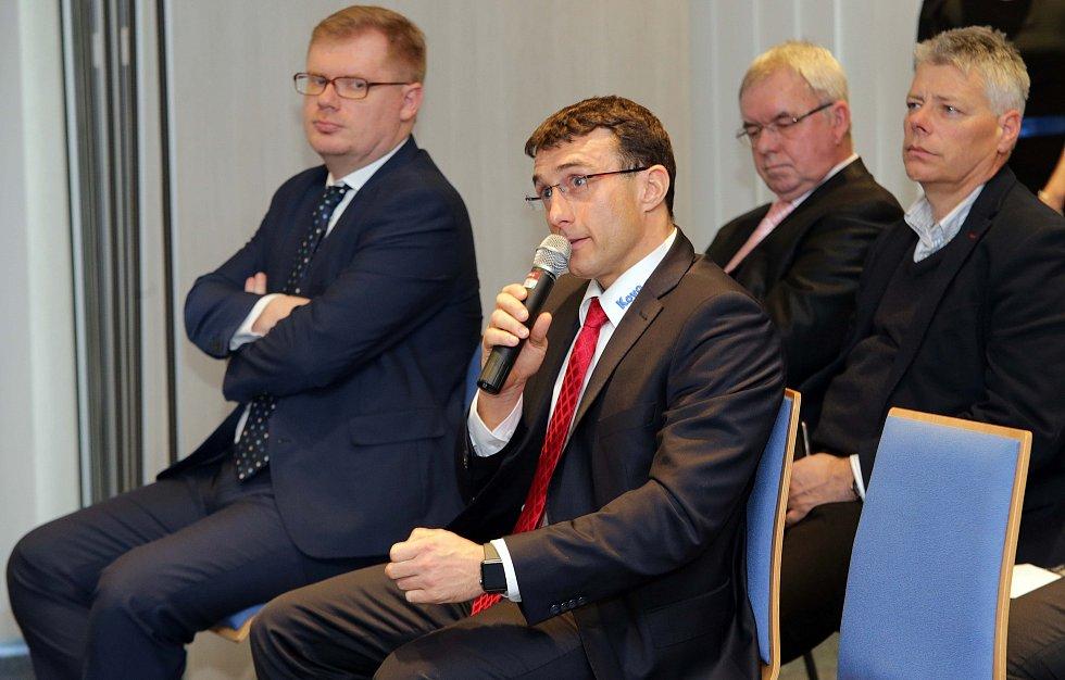 Panelové diskuze o problémech Olomouckého kraje nazvaná Deník s vámi. V olomouckém Clarion Congress Hotelu ji pořádalo vydavatelství Vltava Labe Media.