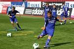Fotbalová škola Romana a Michala Hubníkových v Olomouci - v popředí Tomáš Ujfaluši