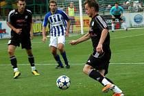 Fotbalisté HFK Olomouc (v tmavém)