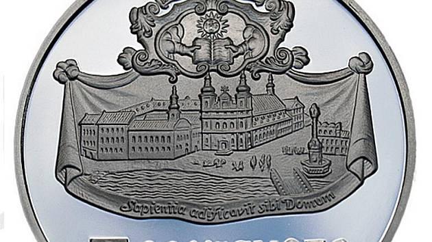 Stříbrné mince z Kremnice jsou atraktivní kvalitou i příznivou cenou - líc mince s tematikou Trnavy