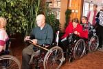 Volební fronta v domově seniorů v Prostějově
