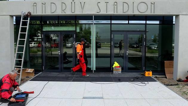 Andrův stadion v Olomouci má nový vstupní portál