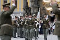 Velitelství společných sil se loučilo s městem na olomouckém Horním náměstí