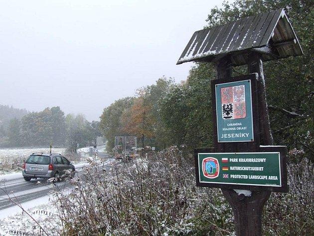 První sníh v Jeseníkách: úterý 13. října 2009 pod Pradědem