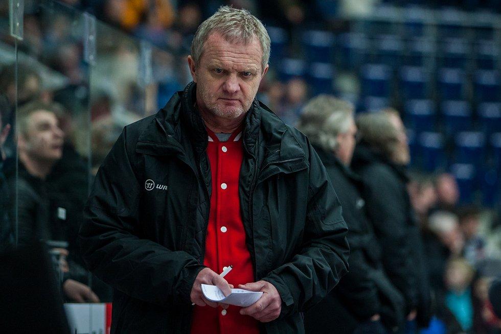 Bílí Tygři Liberec proti HC Olomouc. Olomoucký trenér Zdeněk Venera.