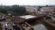 Betonáž nového mostu v ul. Komenského v Olomouci. 19. července 2019