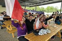 Úvodní zápas hokejového MS Česko - Rusko na Terase olomouckého přírodního koupaliště Poděbrady, 21. května 2021