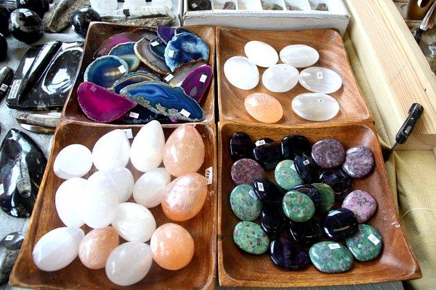 Tradiční prodejní výstavu minerálů a šperků Mineral Expo hostí ovíkendu Střední škola polytechnická vOlomouci. Pořadatelé zvou všechny malé ivelké příznivce přírodních kamenů, fosílií, šperků a dekorací znich.