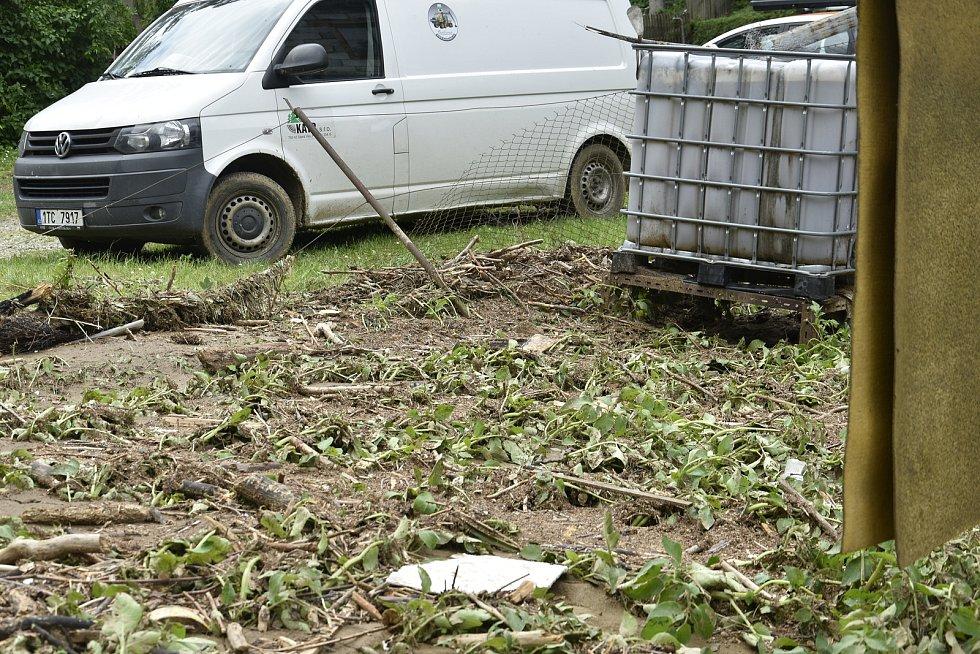 Pozemek paní Berkové z Břevence po bleskové povodni, 9. 6. 2020