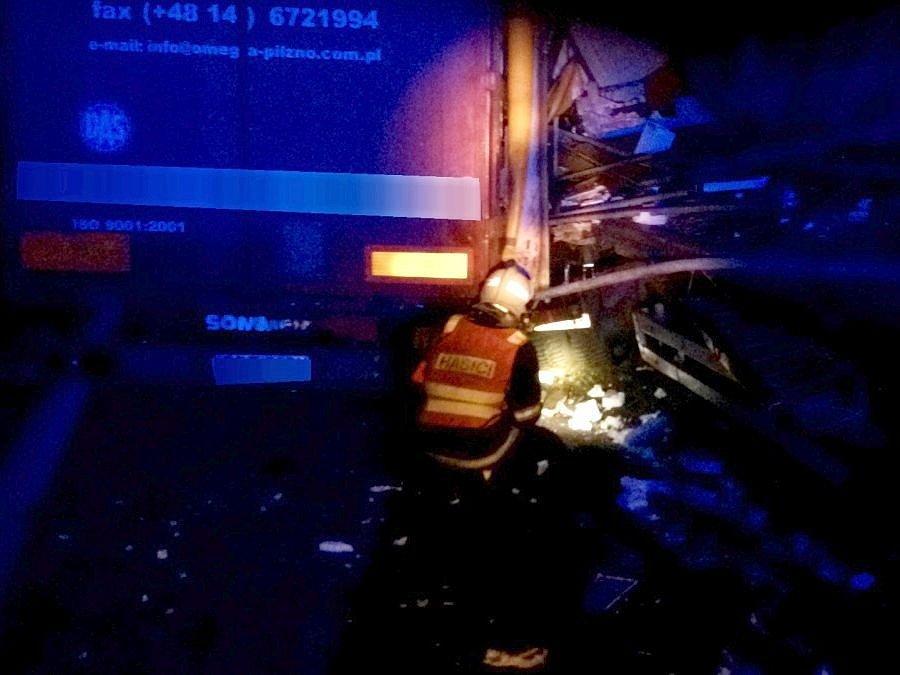 Srážka kamionů na R35 u Olomouce