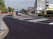 Nový asfaltový povrch na třídě Míru v Olomouci.