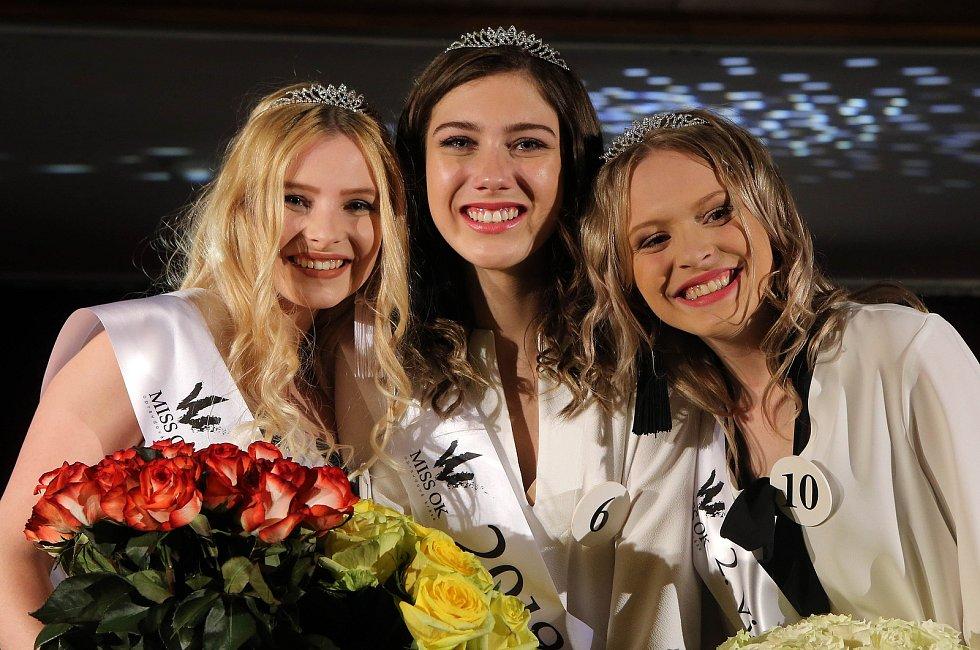 Semifinále 6.ročníku soutěže Miss OK ve Velké Bystřici.Miss  Jitka Hoczová ( uprostřed )1. vícemis  Nikol Vencová ( vlevo )2. vícemis  Simona Kamešová ( vpravo )