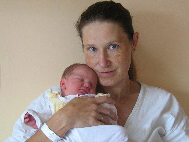Vendula Dřevická, Slavoňov, narozena 13. srpna v Olomouci, míra 50 cm, váha 3300 g