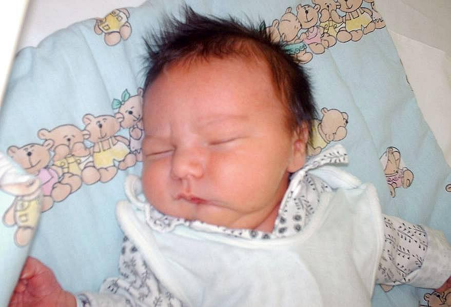 Jonáš Feit, Lukavice, narozen 6. března ve Šternberku, míra 52 cm, váha 4000 g