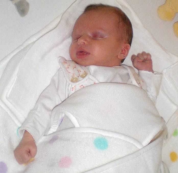 Ema Lipovská, Olomouc, narozena 3. února ve Šternberku, míra 50 cm, váha 3450 g
