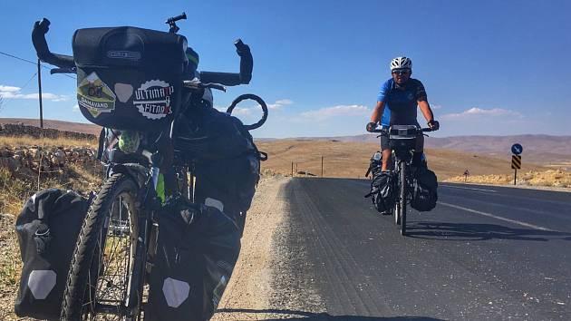 Olomoucký cestovatel Marek Sova vyrazil na kole do Íránu