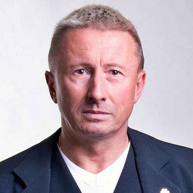 Milan Brázdil, 58let, lékař záchranné služby Olomouckého kraje, poslanec PSP ČR, Olomouc, člen ANO