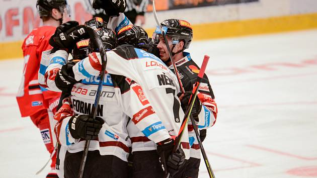 Radost hokejistů pražské Sparty v duelu s Olomoucí