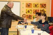 V hranickém druhém volebním okrsku v Základní škole Struhlovsko vládla i v sobotu pohodová atmosféra.