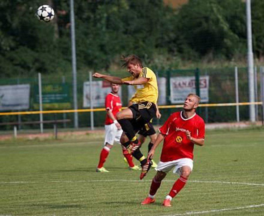 Michal Muzikant (v červeném).