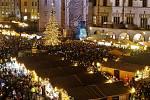 Rozsvícení vánočního stromu na Horním náměstí v Olomouci. 22.11.2019