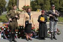 Pieta u příležitosti 66. výročí konce 2. světové války a osvobození Olomouce na hřbitově v Neředíně