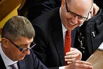 Andrej Babiš a Bohuslav Sobotka na zasedání poslanecké sněmovny kvůli hlasování o důvěře vládě 18. února v Praze