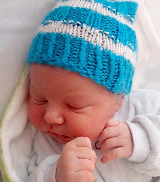 Daniel Magdon, Olomouc narozen 19. srpna míra 52 cm, váha 3870 g
