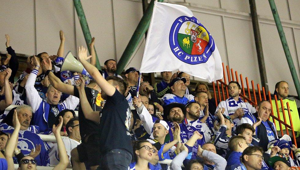 Fanoušci Plzně na třetím čtvrtfinále v Olomouci