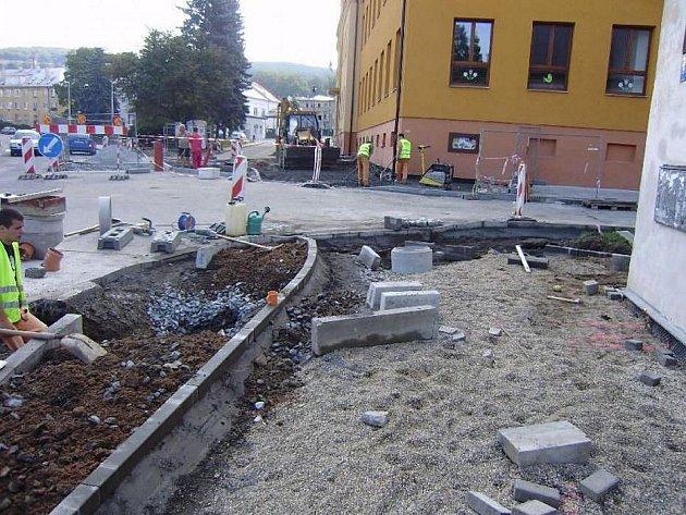 Stavební úpravy na náměstí Svobody ve Šternberku