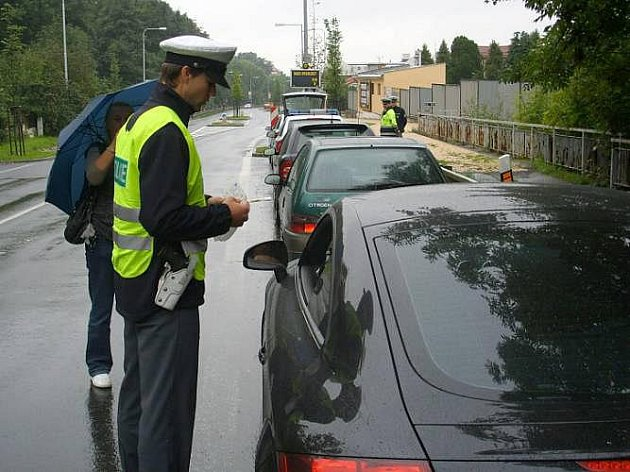 Policisté měřili rychlost na trase Olomouc - Štrenberk