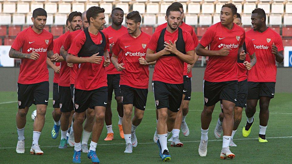 Trénink fotbalistů Sevilla FC na Andrově stadionu v Olomouci