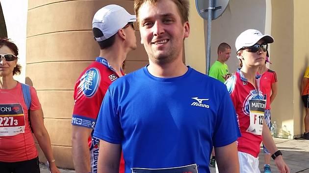 Jan Kopecký běžel celých 21 kilometrů poprvé. Závod si užil