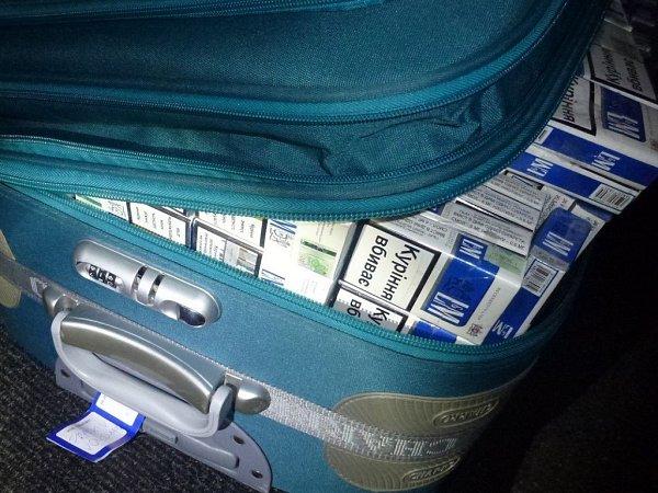 Olomoučtí celníci zadrželi vbřeznu přes 100tisíc kusů cigaret.