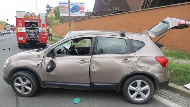Střet aut na křižovatce ulic Přerovská a Zahradní v Olomouci