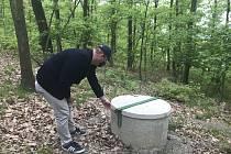 Nový vrt v Drahanovicích, který pomůže v boji s nedostatkem pitné vody. (2.května 2020)