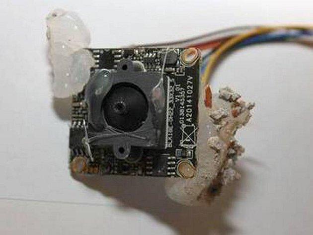 Jedna z kamer, kterými natáčel majitel bytu své nájemnice