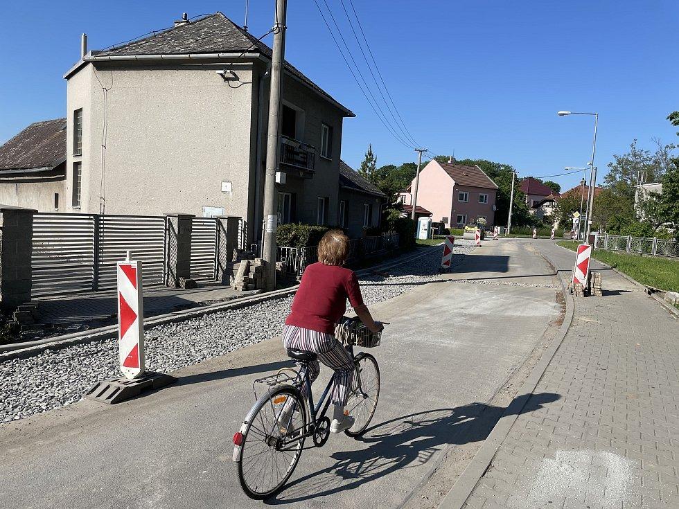 Litovel musí rozšířit ulici Pavlínka, aby zvládla dopravní nápor kvůli uzavírce opravovaného průtahu, 2. června 2021.