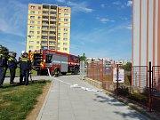 Hasiči cvičili evakuaci waldorfské základní školy v Olomouci