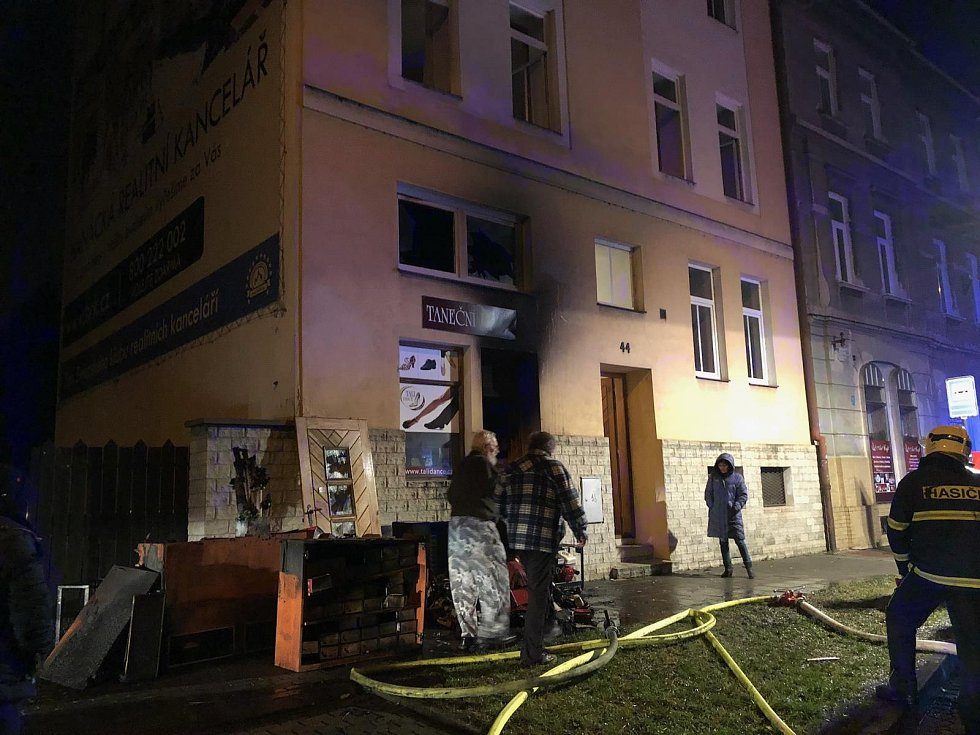 Hasiči zasahují u požáru v Rooseveltově ulici v Olomouci