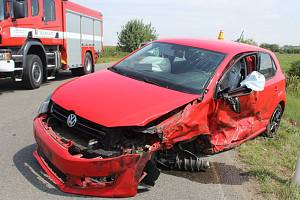 Srážka dvou aut ve Slavoníně, 20. 8. 2019